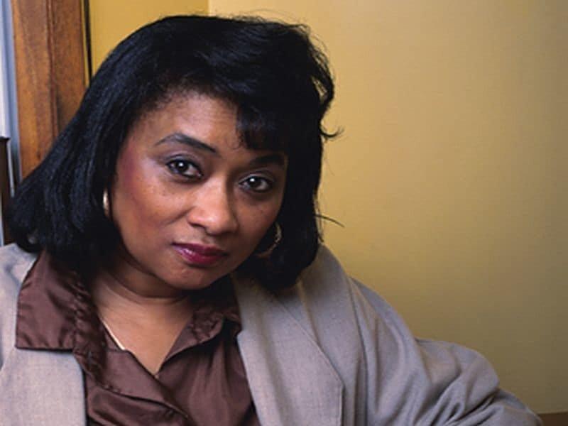 Zeit, um Brust-Krebs-Operation verzögert für nicht-hispanischen schwarzen