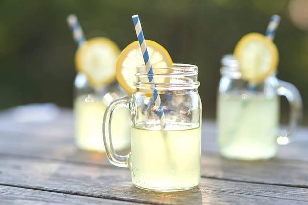 Abnehmen: 4 Tipps, um von zuckerhaltigen Getränken loszukommen