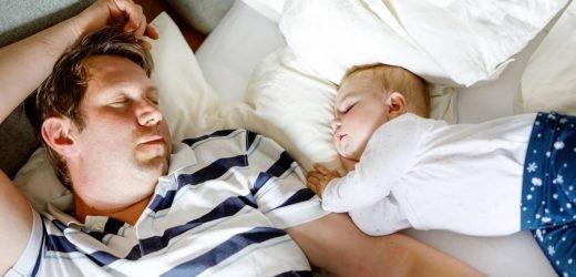 Nach der Geburt: So viele Jahre dauert es, bis Eltern wieder normal schlafen können