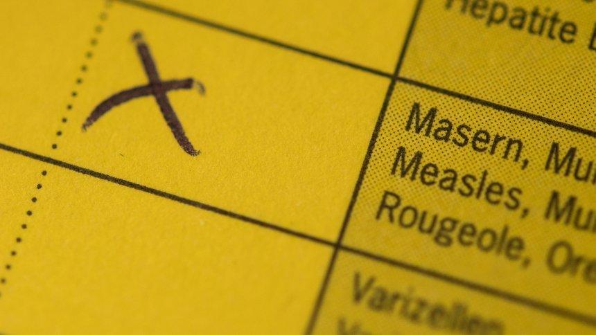 Regierungprüft Masern-Impfpflicht für Kinder