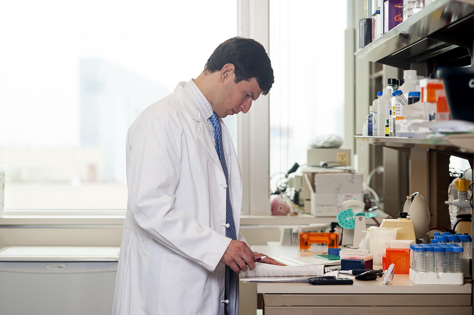 Behandlung Arzt getestet auf sich selbst kann andere stellen, in remission