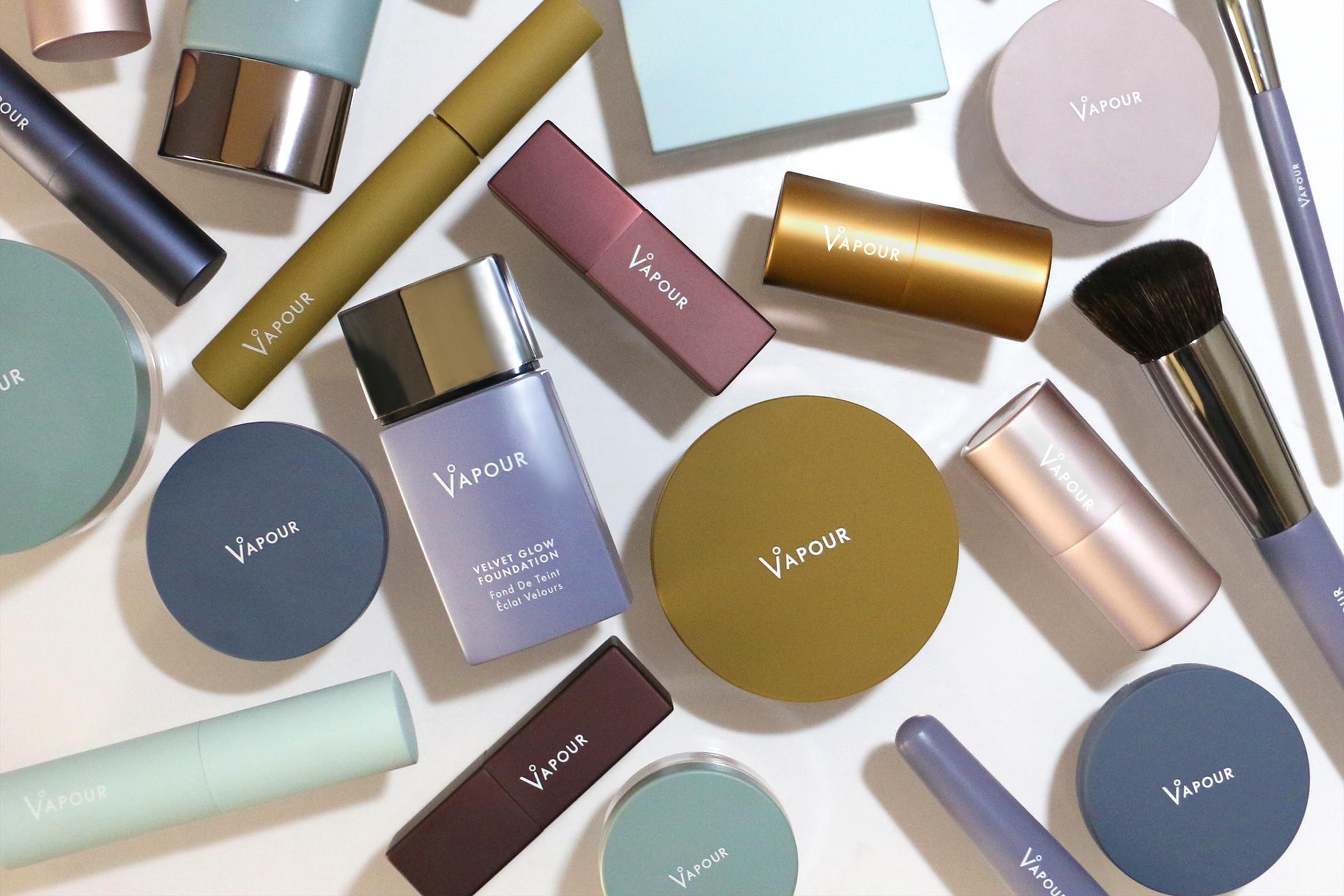 Dampf-Schönheits-Re-Marken Von Make-up für Hippie zu Clean und Chic