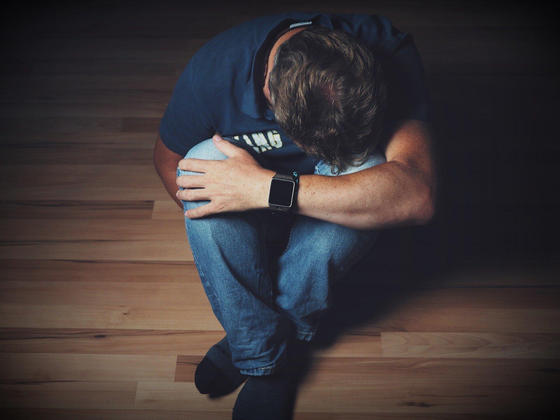 Menschen mit Depressionen erleben, suizidalen Gedanken trotz Behandlung