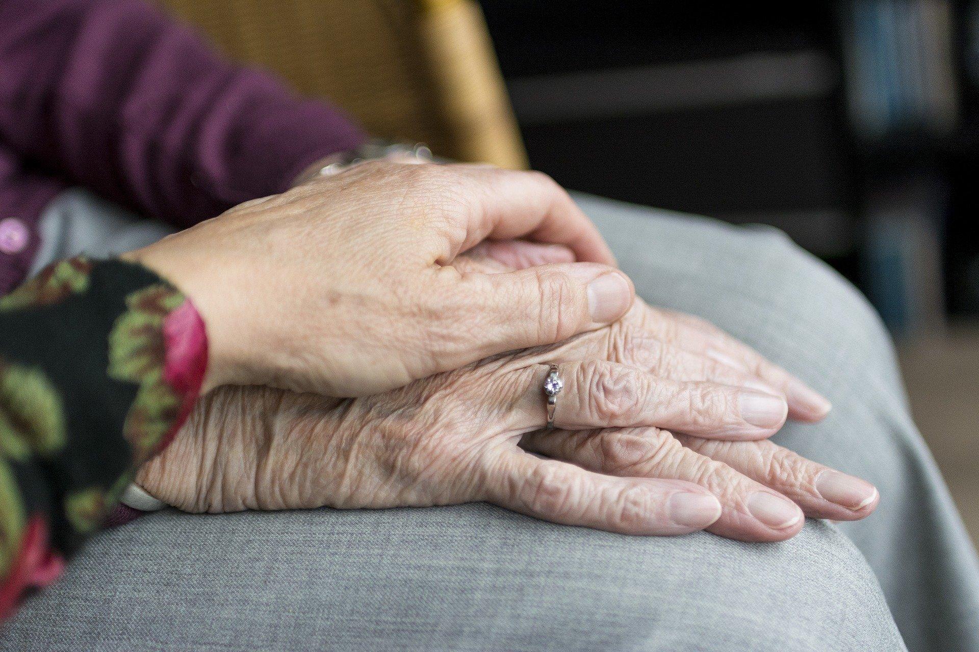 Wie wir Alter, Frauen sind immer hinfälliger, aber belastbarer als Männer