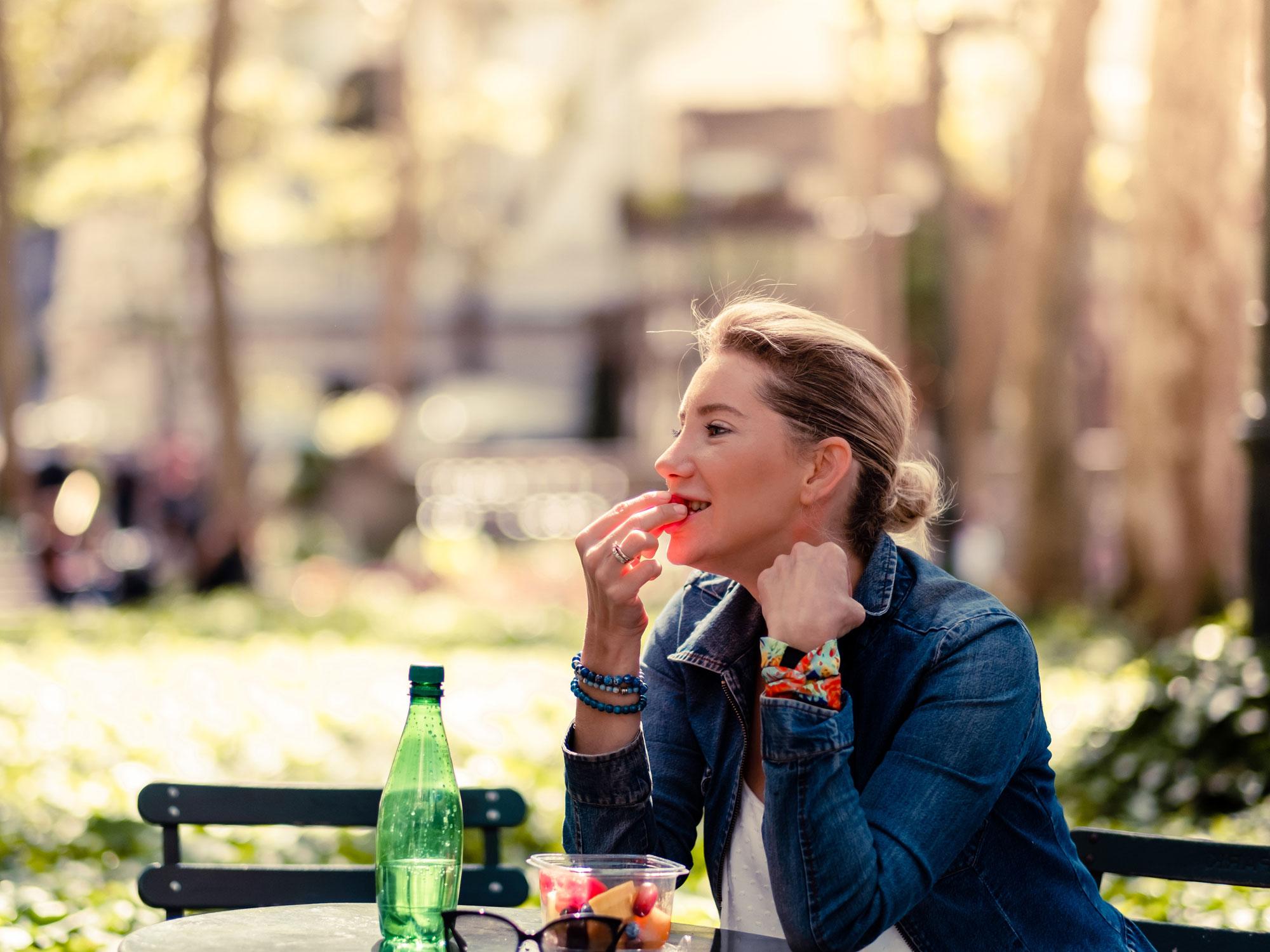 Essen mit den Fingern erhöht den Genuss