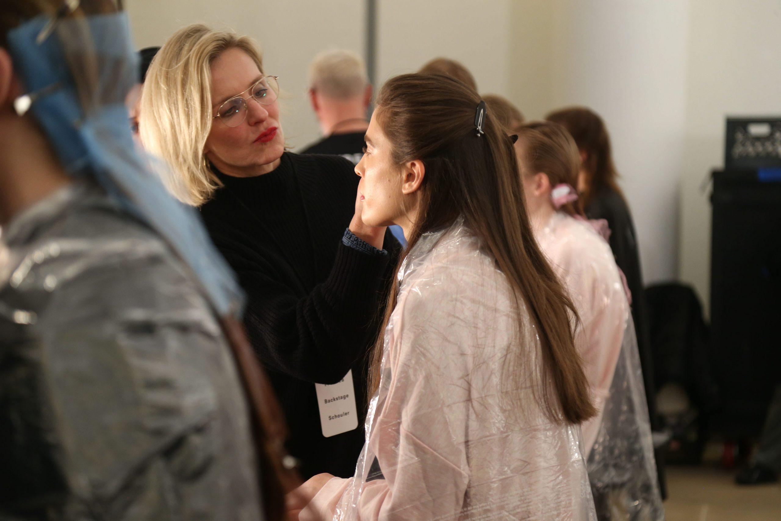 Coronavirus Blätter Salon Arbeiter -, Beauty-Freelancer Arbeitslose