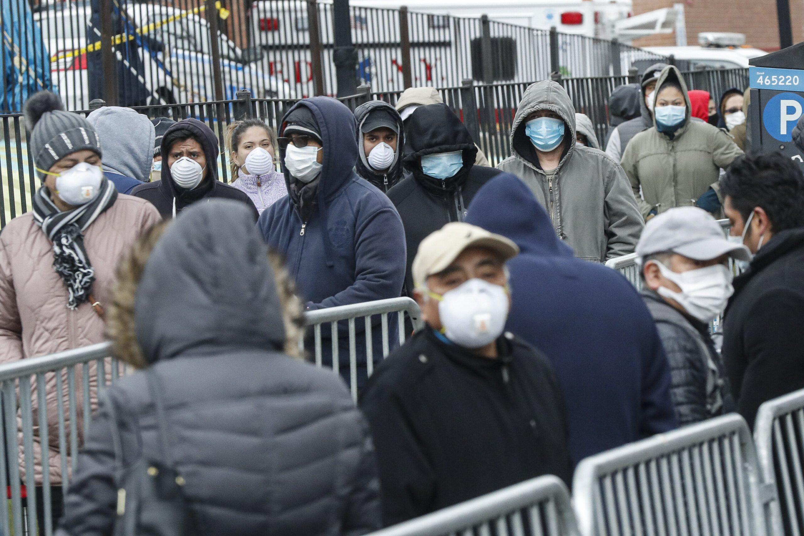 New York mobilisiert gegen den Aufmarsch von dem virus