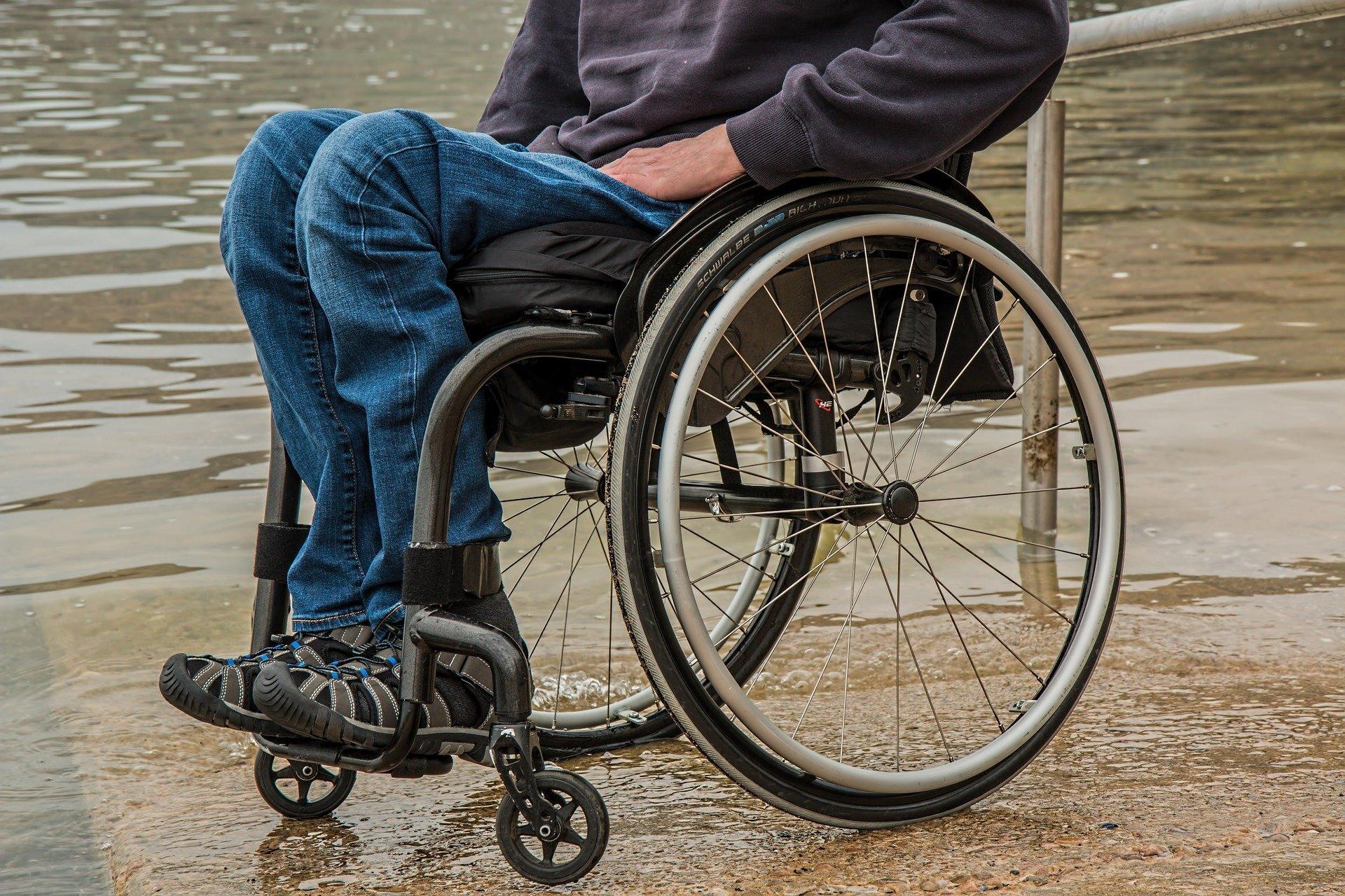 Akute Erkrankungen und Verletzungen erhöhen Senioren die Gefahr von schweren Behinderungen