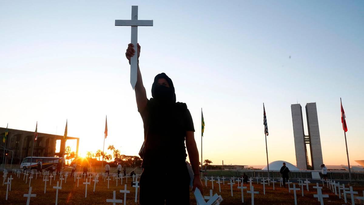 Sechs Monate Coronakrise: 500.000 Tote und ein beispielloses Forschungsrennen