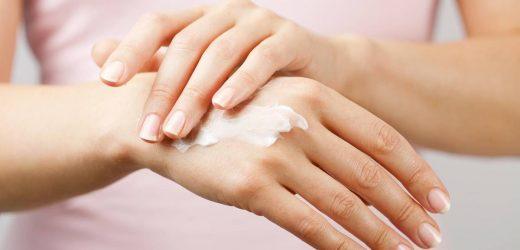 Hände frisch desinfiziert? Warum Sie dann auf Handcreme verzichten sollten