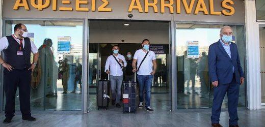 Deutsche Touris müssen kurz nach Landung auf Kreta 500 Euro Corona-Strafe zahlen