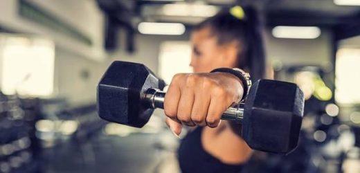 Workout mit Whitney Simmons: So bringst du deinen Oberkörper in Topform