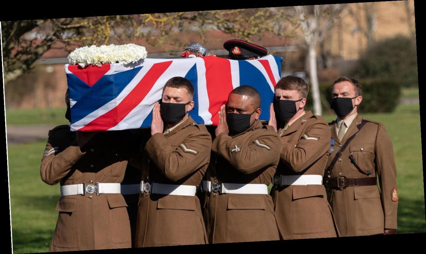 """Britischer Corona-Held """"Captain Tom"""" mit militärischen Ehren verabschiedet"""