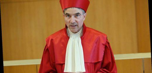 """Verfassungsgerichtspräsident: """"Die wesentlichen Entscheidungen müssen vom Parlament getroffen werden"""""""